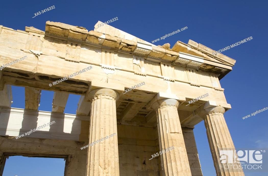 Imagen: Propylaea (or Propylaia), Acropolis, Athens, Greece.