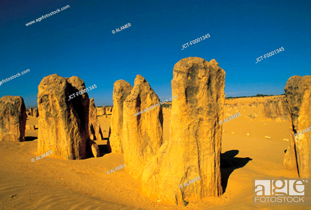 Stock Photo: Western Australia, desert of Pinnacles.