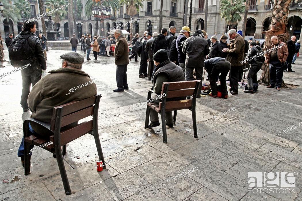 Stock Photo: Street Sellers. Plaça Reial (architect: Francesc Daniel Molina, 19th Century), Barcelona, Catalonia, Spain.