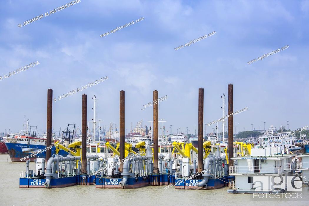 Stock Photo: Karnafuli River Sadarghat areas, Chittagong, Bagladesh.