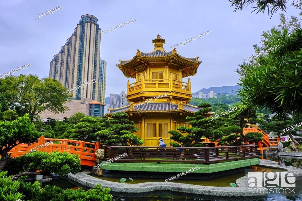 Stock Photo: Chine, Hong Kong, Kowloon, jardin de Nan Lian et nonnerie de Chi Lin / China, Hong Kong, Kowloon, The pagoda at the Chi Lin Nunnery and Nan Lian Garden.
