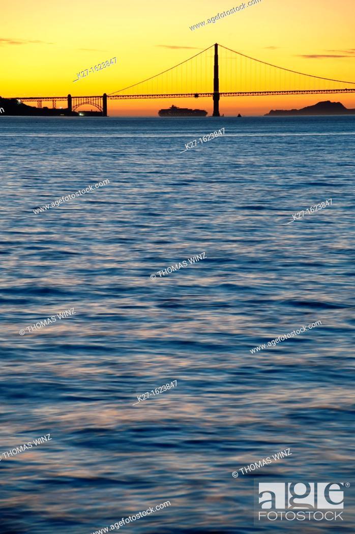 Stock Photo: Golden Gate Bridge at dusk, San Francisco, California, USA.
