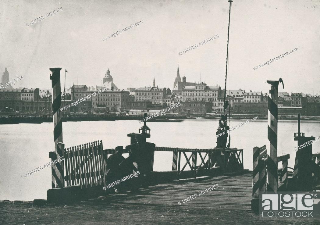Stock Photo: Ansicht der Stadt Mainz, von einer Anlegestelle in Kastel aus gesehen.