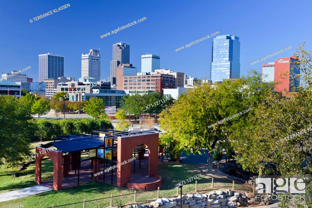 Stock Photo: The Arkansas river and the skyline of Little Rock, Arkansas, USA.