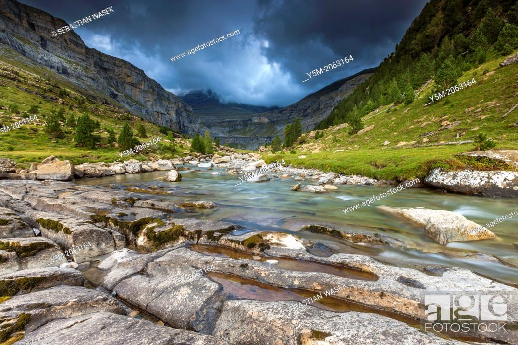 Stock Photo: River Arazas in the Valle de Ordesa, Parque Nacional de Ordesa y Monte Perdido, Pyrenees, Huesca province, Aragon, Spain, Europe.