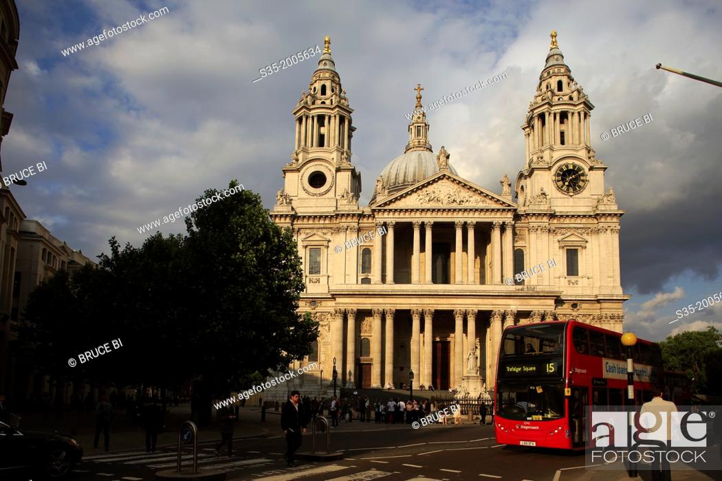 Imagen: St Paul's Cathedral under afternoon sun. London. England. United Kingdom.