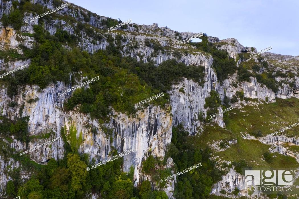 Stock Photo: Mount Candina, Sonabia, Castro Municipality, Liendo Valley, Montaña Oriental Costera, The Way of Saint James, Cantabrian Sea, Cantabria, Spain, Europe.