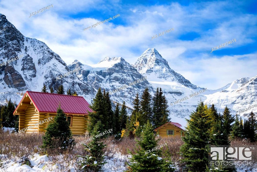 Stock Photo: Log cabins of Mount Assiniboine Lodge, Mount Assiniboine Provincial Park, British Columbia, Canada.