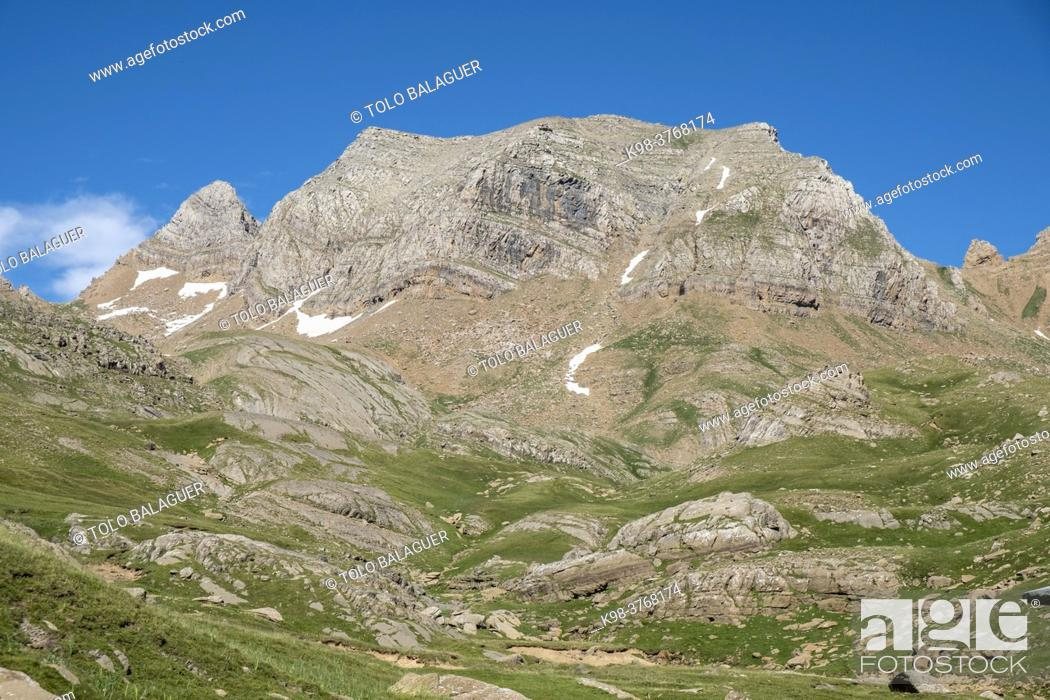 Stock Photo: Pala de Ip, Ip, 2779 meters, Ip Valley, Jacetania, Huesca, Spain.