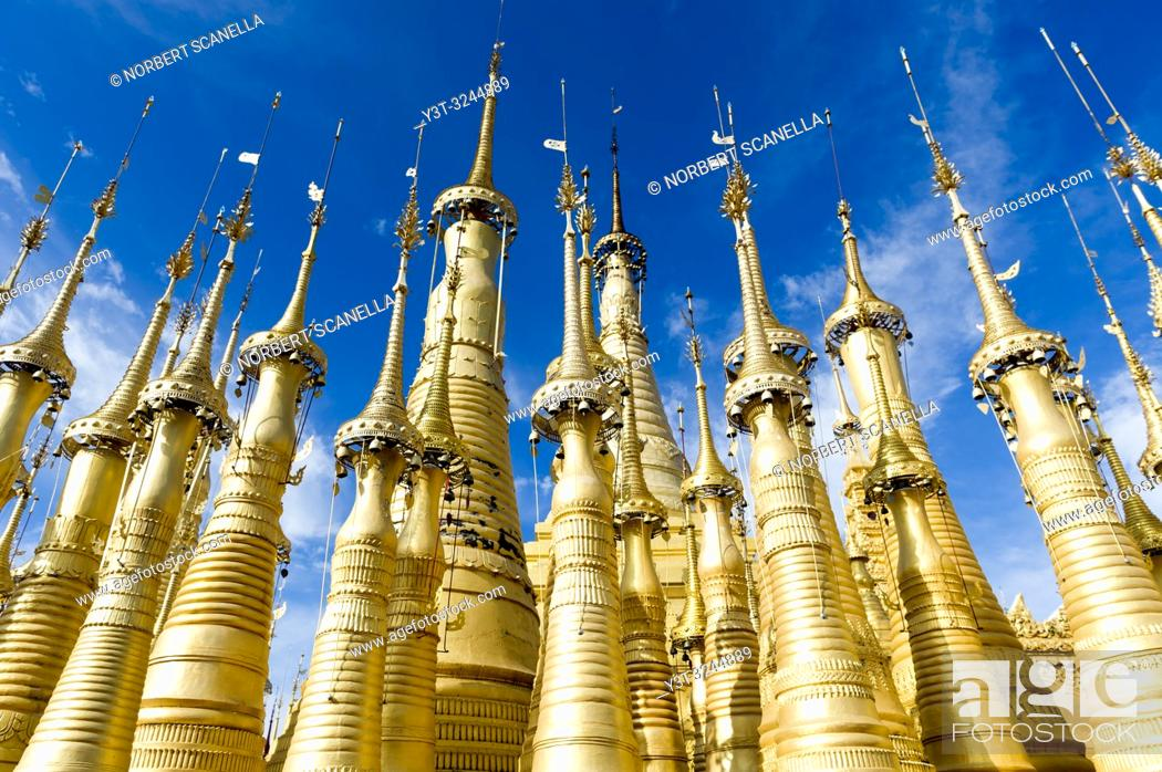 Stock Photo: Myanmar (ex Birmanie). Inle lake. Shan state. Shwe Indein Pagoda.