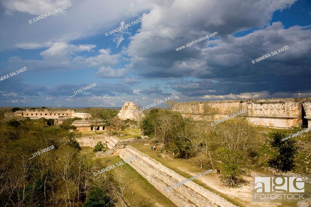 Stock Photo: Pre-Columbian mayan ruins of Uxmal. Yucatan, Mexico.