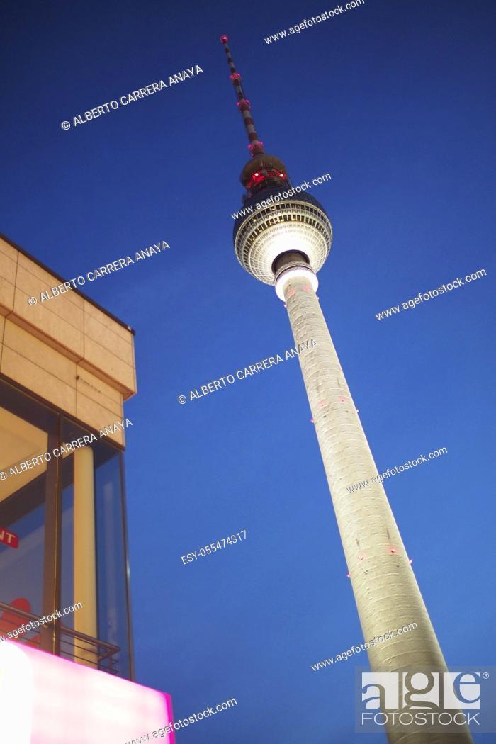 Imagen: Berlin TV Tower, Central Berlin, Berlin, Germany, Europe.