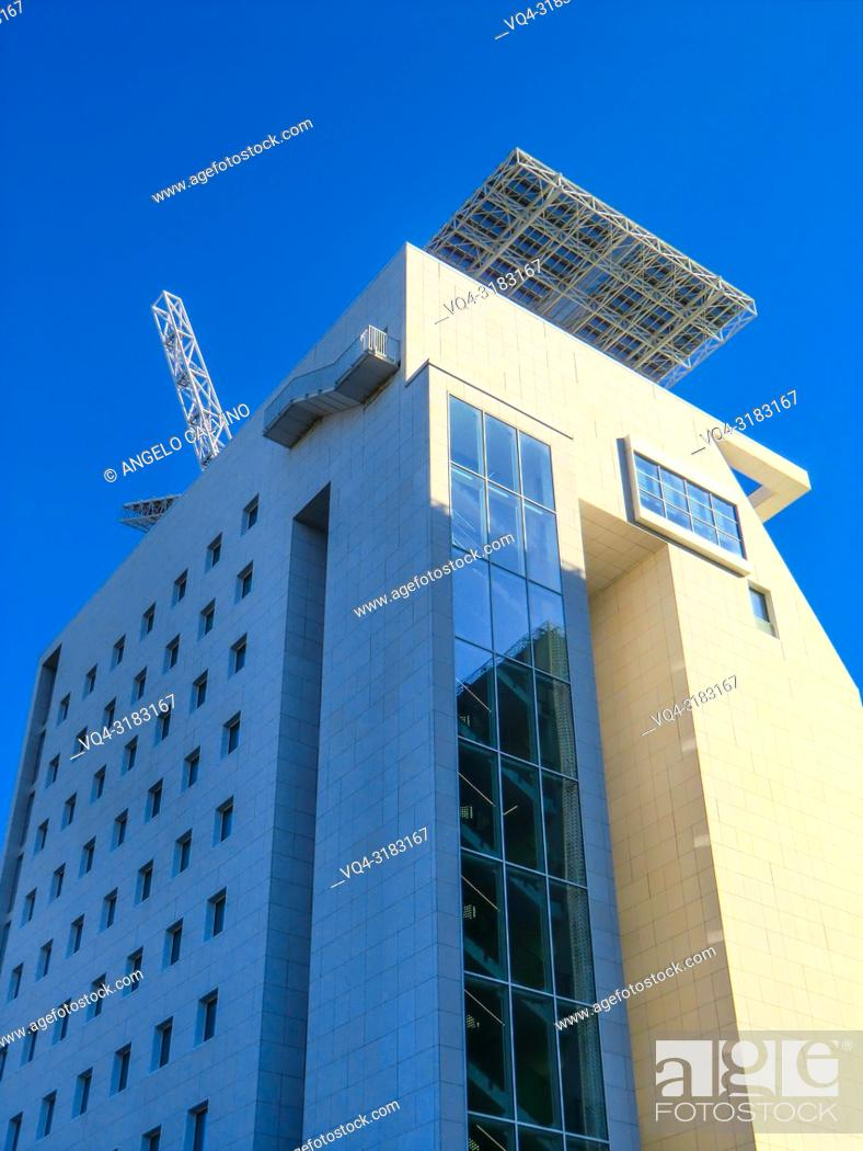 Imagen: Rome EUR, view from below of a Skyscraper in the Surrounding area at EUROMA2 Shopping Mall, Lazio, Italy.