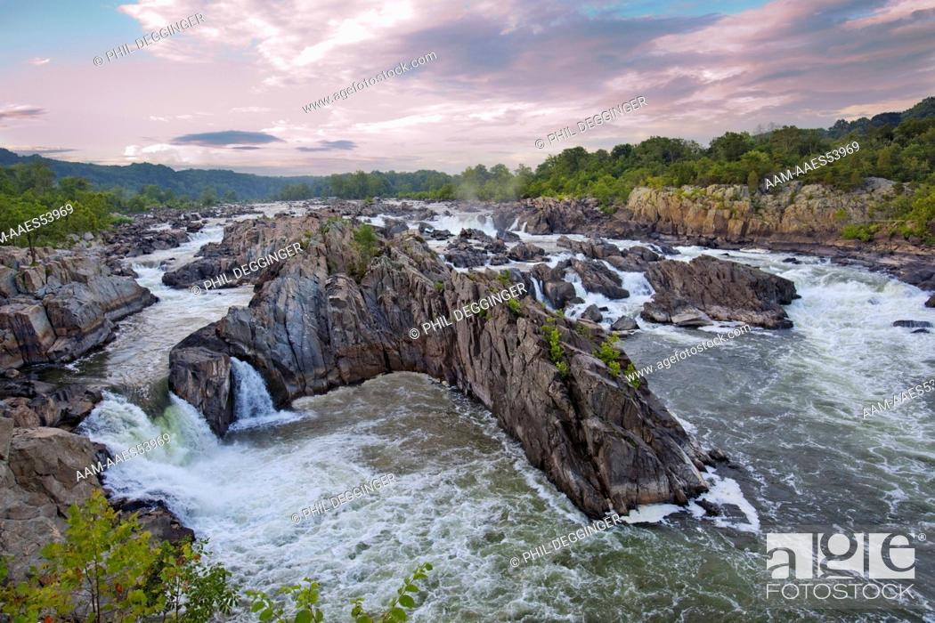 Stock Photo: The Great Falls of the Potomac River are located at the Fall line of the Potomac River, 14 miles (23 km) upstream from Washington, D.C.
