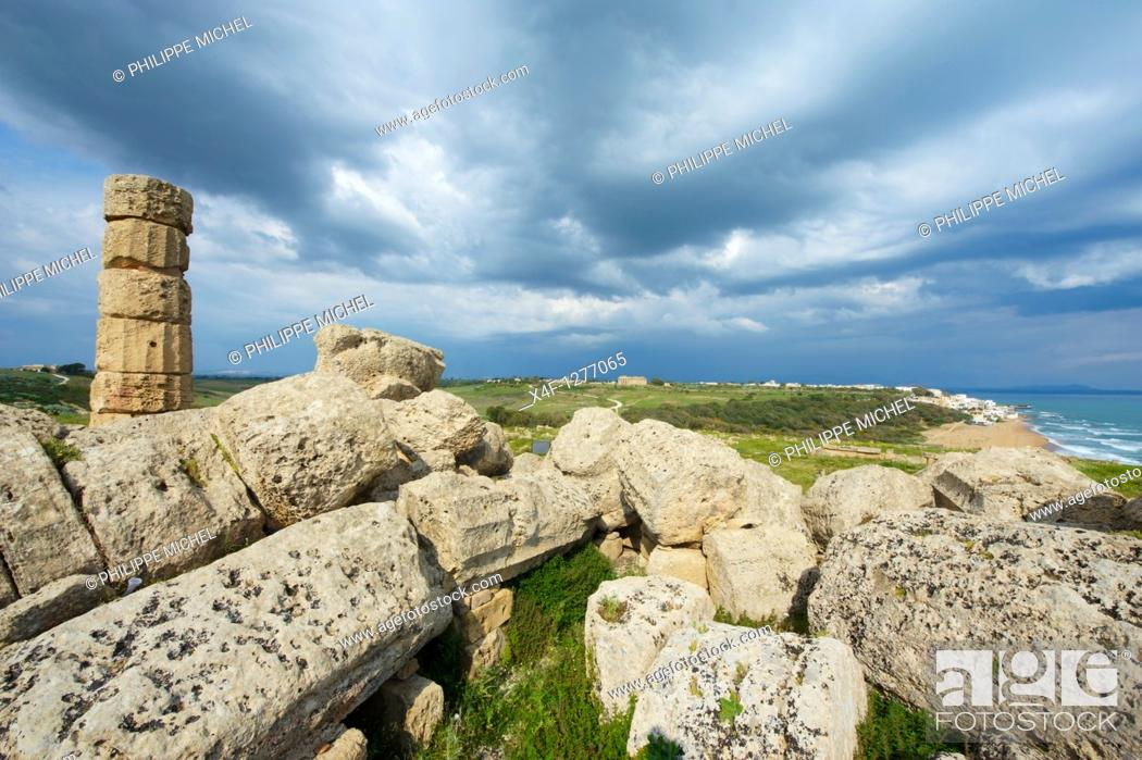 Stock Photo: Italy, Sicily, Trapani district, Selinunte, Temple.