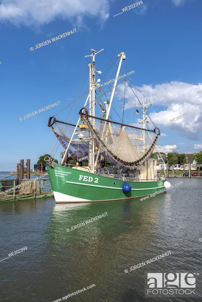 Imagen: Shrimp boat in harbor, Fedderwardersiel, Lower Saxony, Germany, Europe.