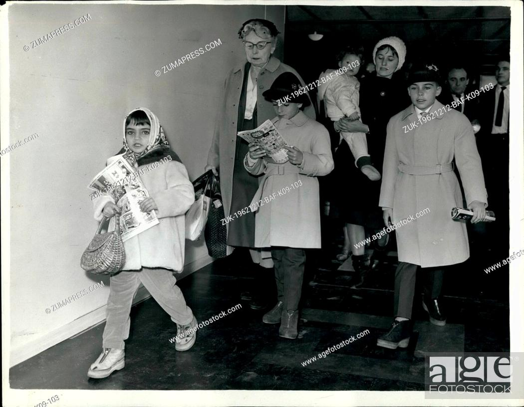 Imagen: Dec. 12, 1962 - Elizabeth Taylor's Children Arrive to Spend Christmas with their Mother: Elizabeth Taylor's three children by her former marri ages and one.