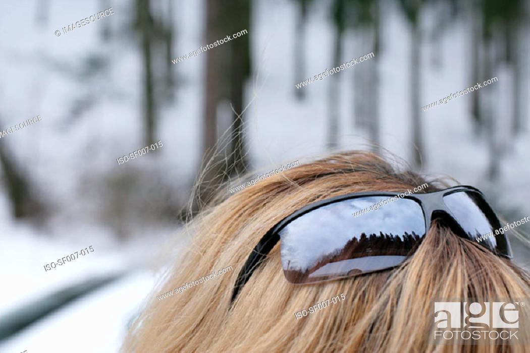 Stock Photo: Reflection in sunglasses.