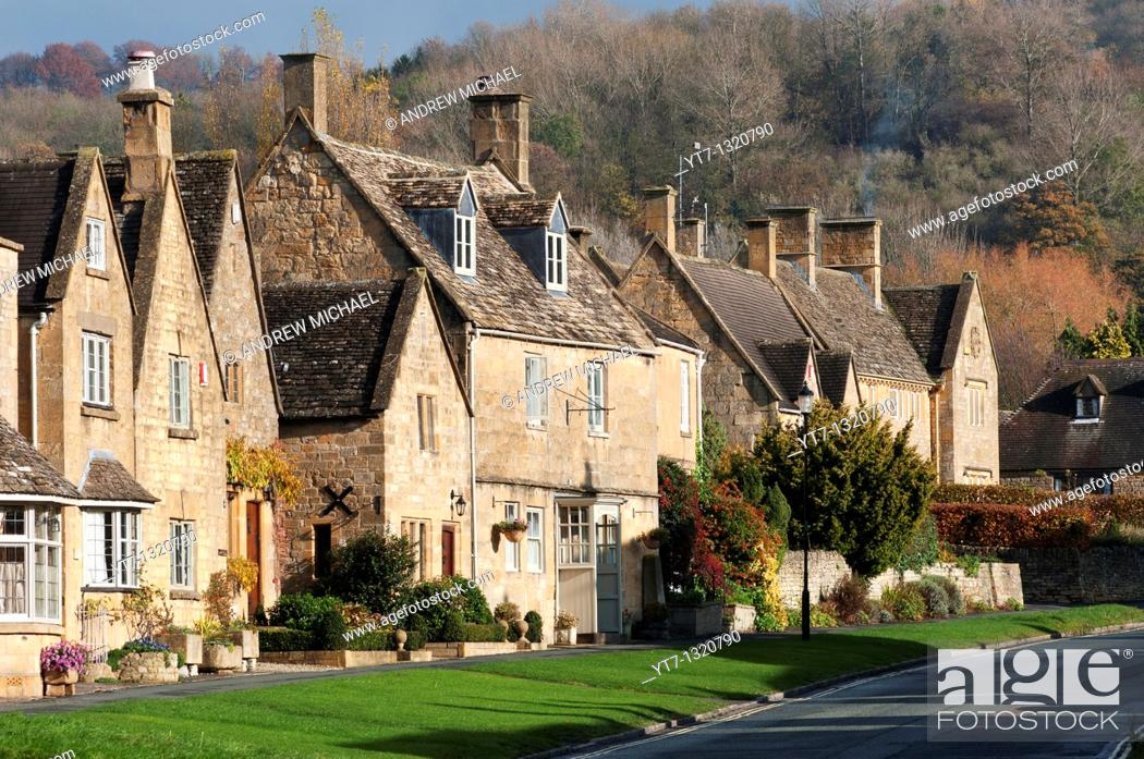 Stock Photo: Broadway cottages, Cotswolds, Worcestershire, UK.