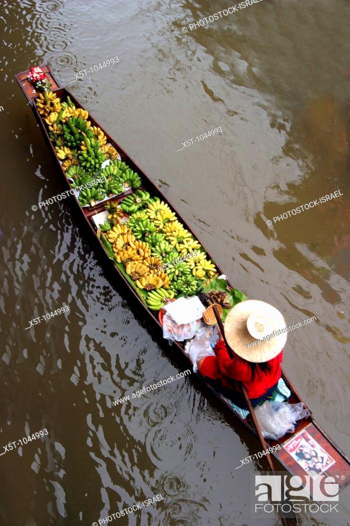 Stock Photo: kanchanaburi floating market, Thailand.