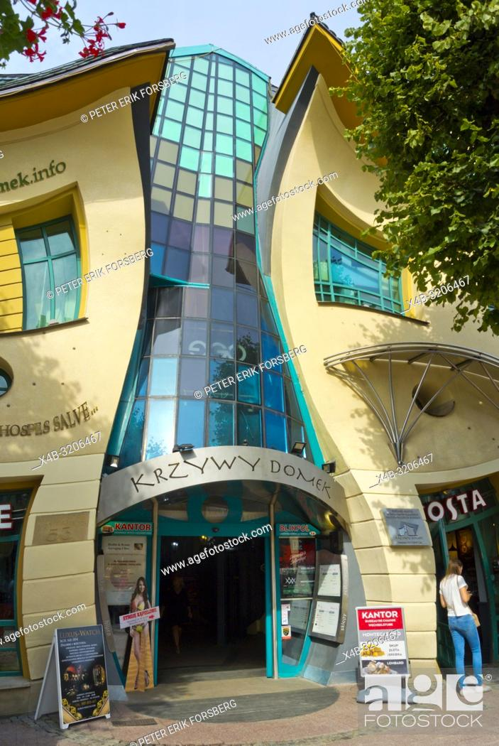Imagen: Krzywy Domek, Crooked House, Bohaterow Monte Cassino, Sopot, Poland.