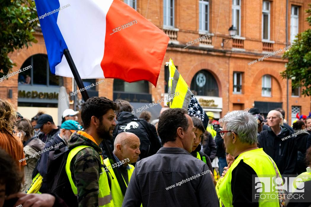 Stock Photo: June 15, 2019 - Act 31 of the Gilets Jaunes de Toulouse. This evening, on the city center have been violent encounters between the manifestants and the police.
