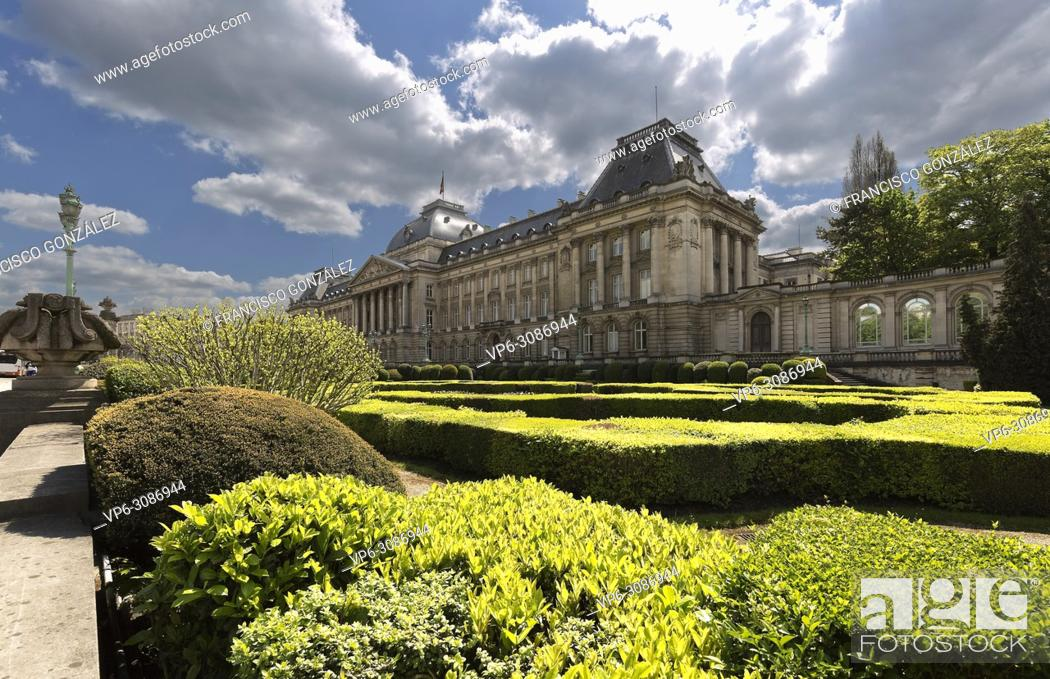 Stock Photo: Views of the royal palace with its gardens in the capital of Belgium. Horizontal take of day.