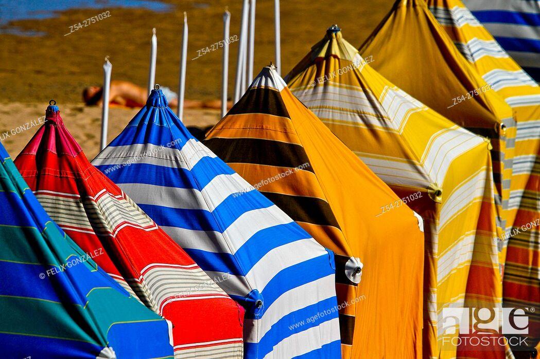 Stock Photo: Beach hut at San Lorenzo beach, Gijon, Asturias, Spain.