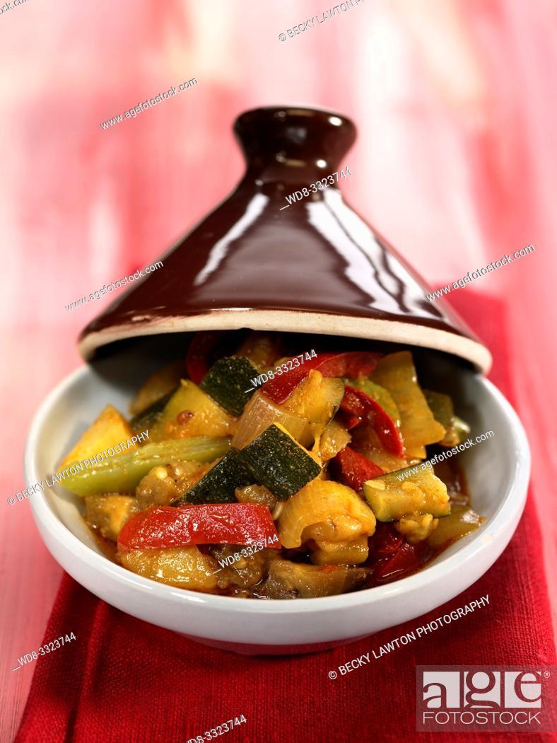 Stock Photo: tajine de verduras.