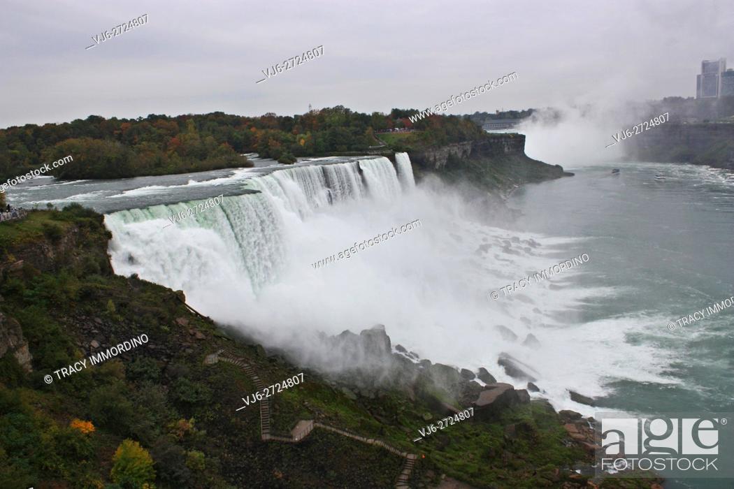Stock Photo: Niagra Falls in Niagra Falls, New York, USA.