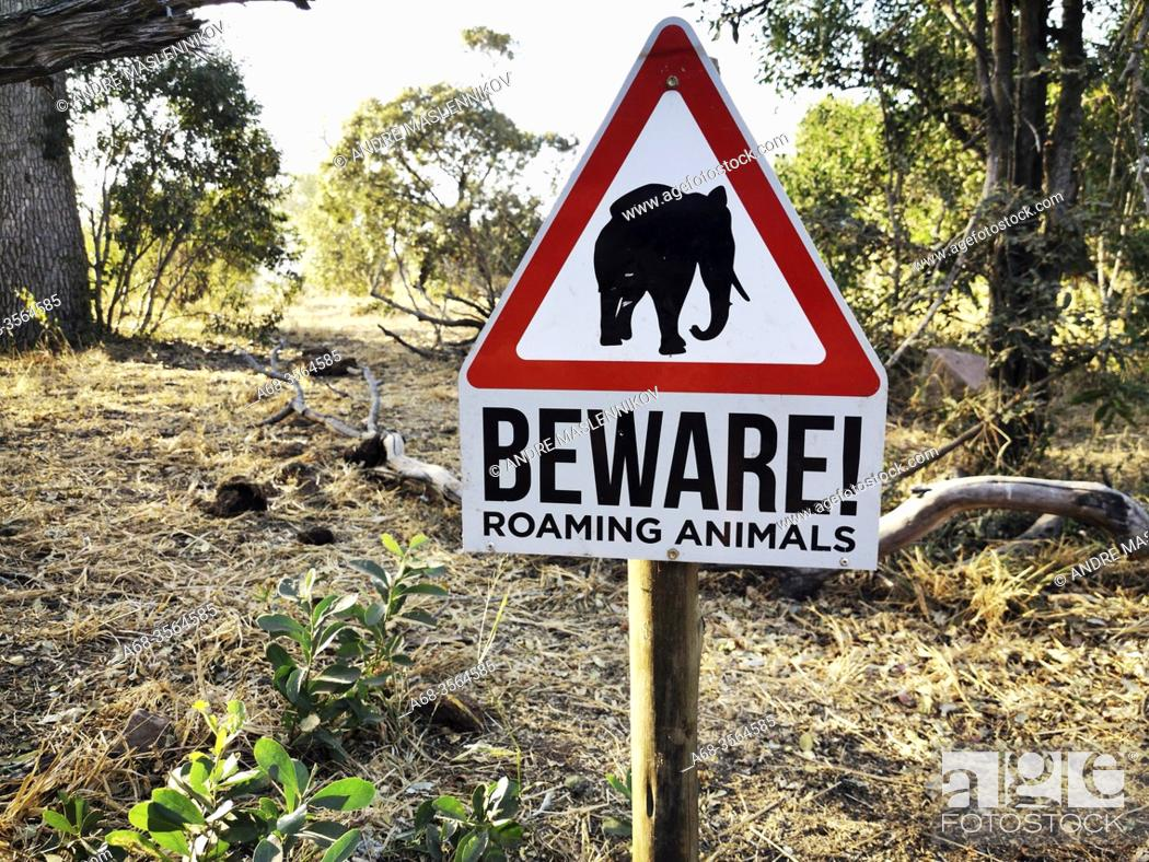 Stock Photo: Warning sign at Afsaal Picnic Site, Kruger national park, South Africa. Photo: André Maslennikov.
