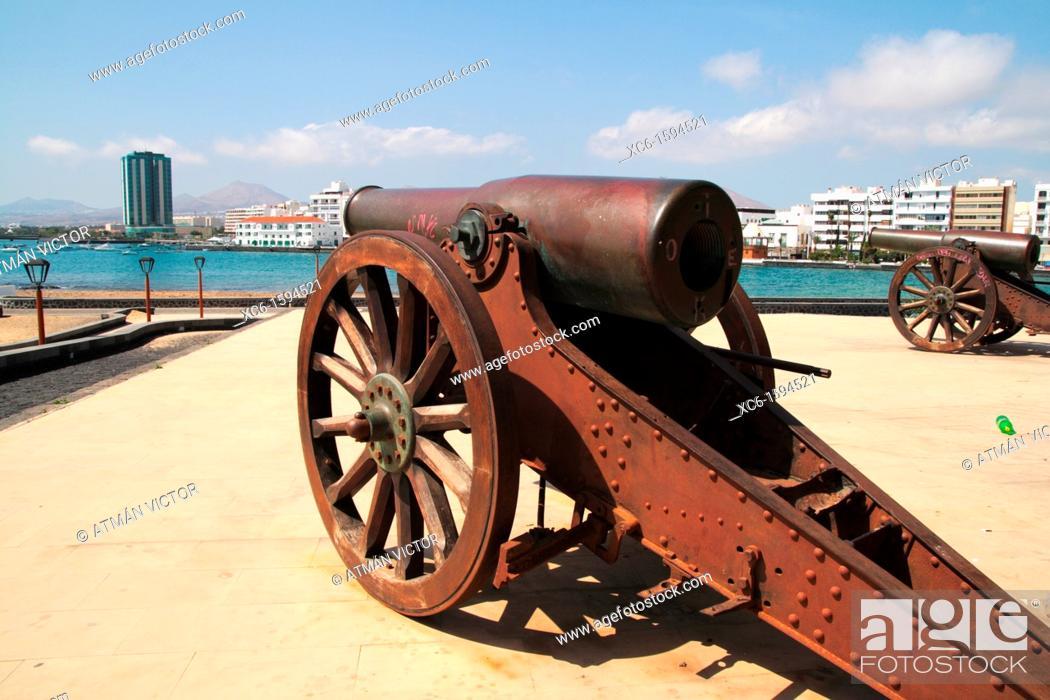 Stock Photo: Cannon in Saint Gabriel's castle, Arrecife, Lanzarote, Canary Islands, Spain.