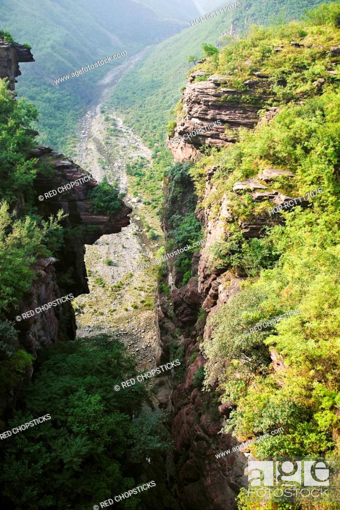 Stock Photo: High angle view of a valley, Jiaozuo, Henan Province, China.