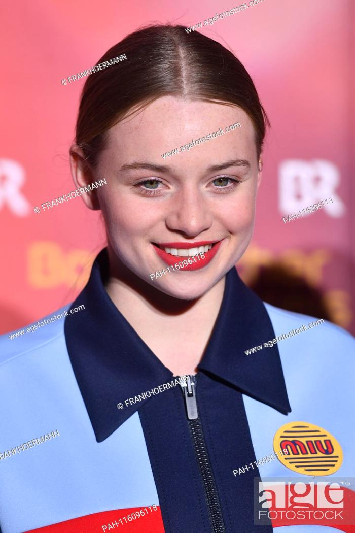 Luna Schweiger Actress Single Image Single Cut Motif