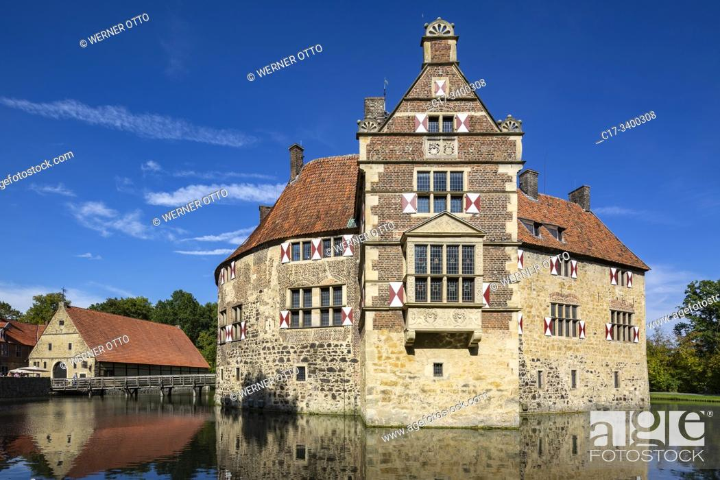 Stock Photo: Luedinghausen, D-Luedinghausen, Stever, Muensterland, Westphalia, North Rhine-Westphalia, NRW, Vischering Castle, moated castle, knights castle, Middle Ages.