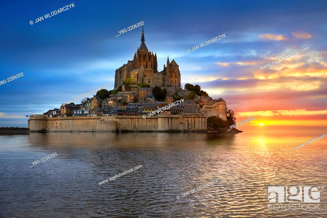 Stock Photo: Mont Saint Michel, Normandy, France.