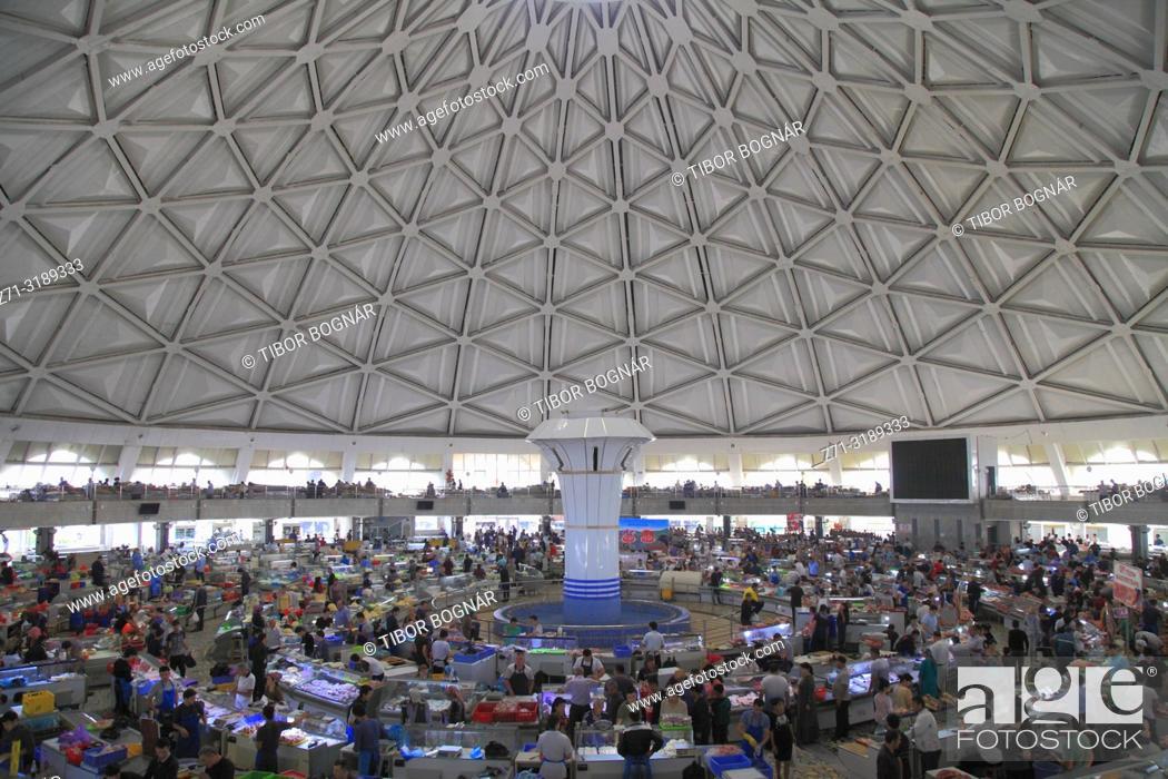 Stock Photo: Uzbekistan; Tashkent, Chorsu Bazaar, market, interior, people,.
