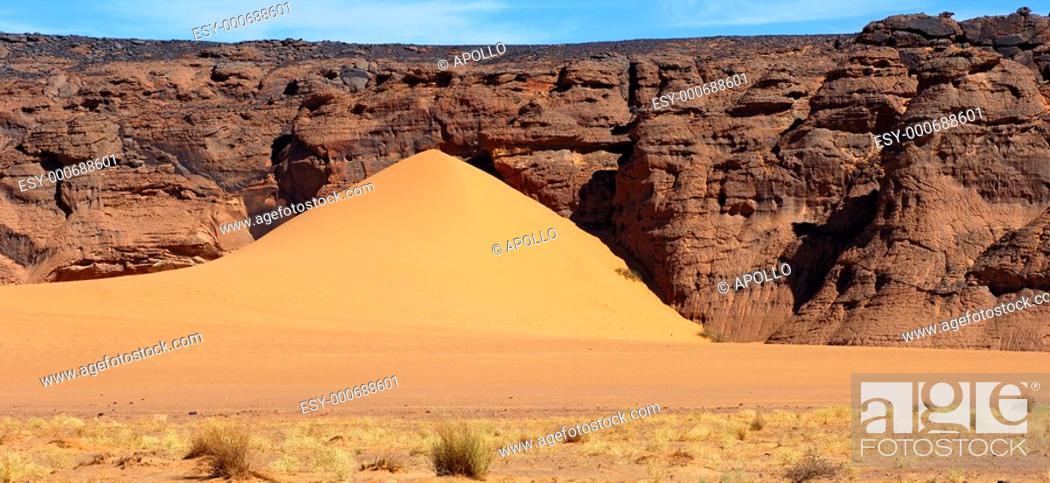 Stock Photo: Sanddüne in the Sahara desert, Libya.