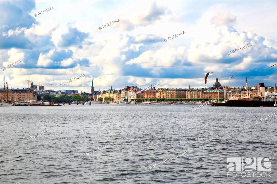 Stock Photo: Stockholm old city with boats, view from sea.