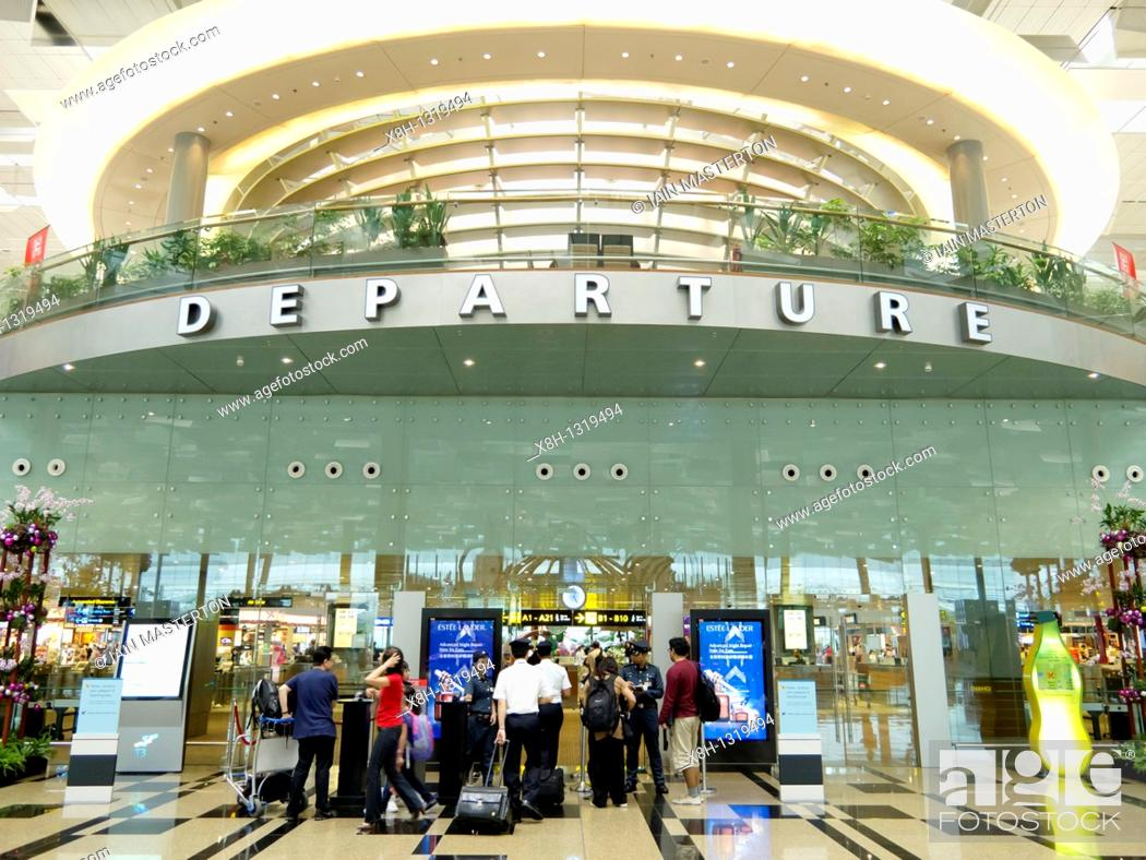 Stock Photo: Entrance to Departures security at new Terminal 3 at Changi Airport in Singapore.
