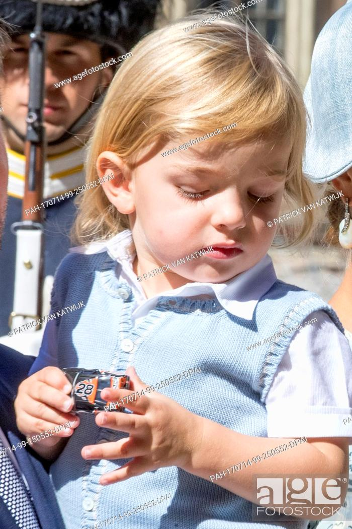 Imagen: Princess Madeleine, Chris O'Neill, Princess Leonore and Prince Nicolas of Sweden attend the 40th birthday celebration of Crow Princess Victoria at the Royal.