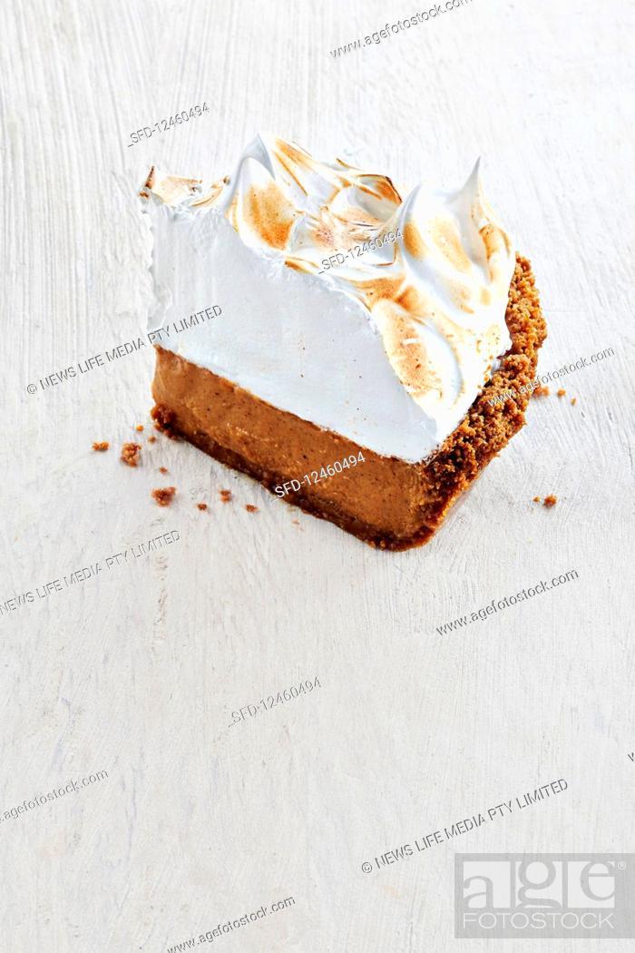 Photo de stock: Sweet potato meringue pie.