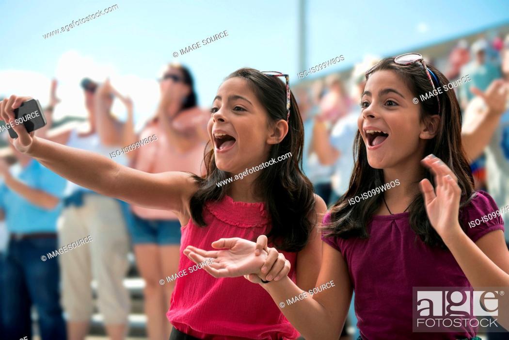 girls at a concert
