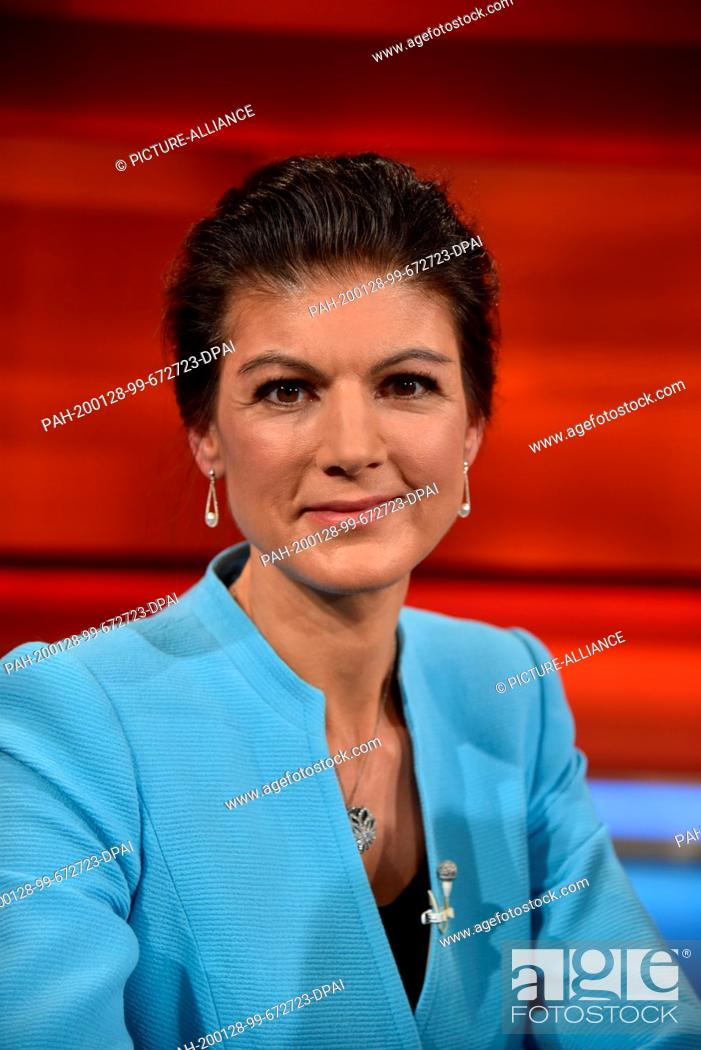 Imagen: 27 January 2020, North Rhine-Westphalia, Cologne: The politician Sahra Wagenknecht, DIE LINKE, Member of the Bundestag; former parliamentary party leader guest.