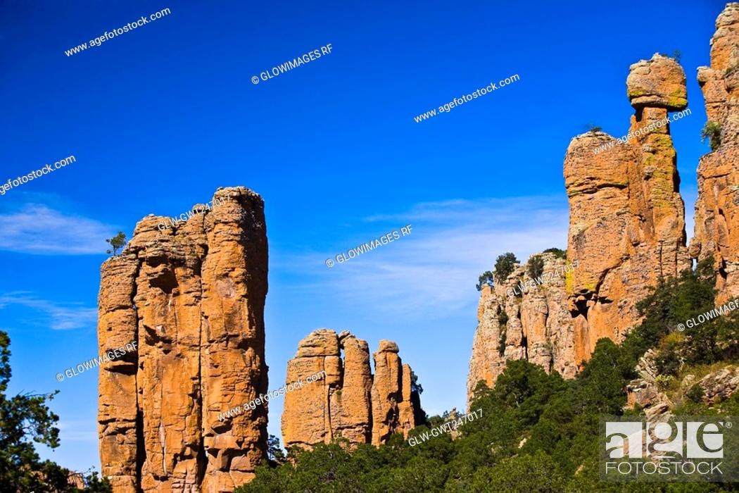 Stock Photo: Low angle view of rock formations, Sierra De Organos, Sombrerete, Zacatecas State, Mexico.