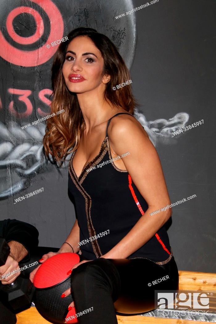 Youssefian gif janina nackt images.dujour.com —