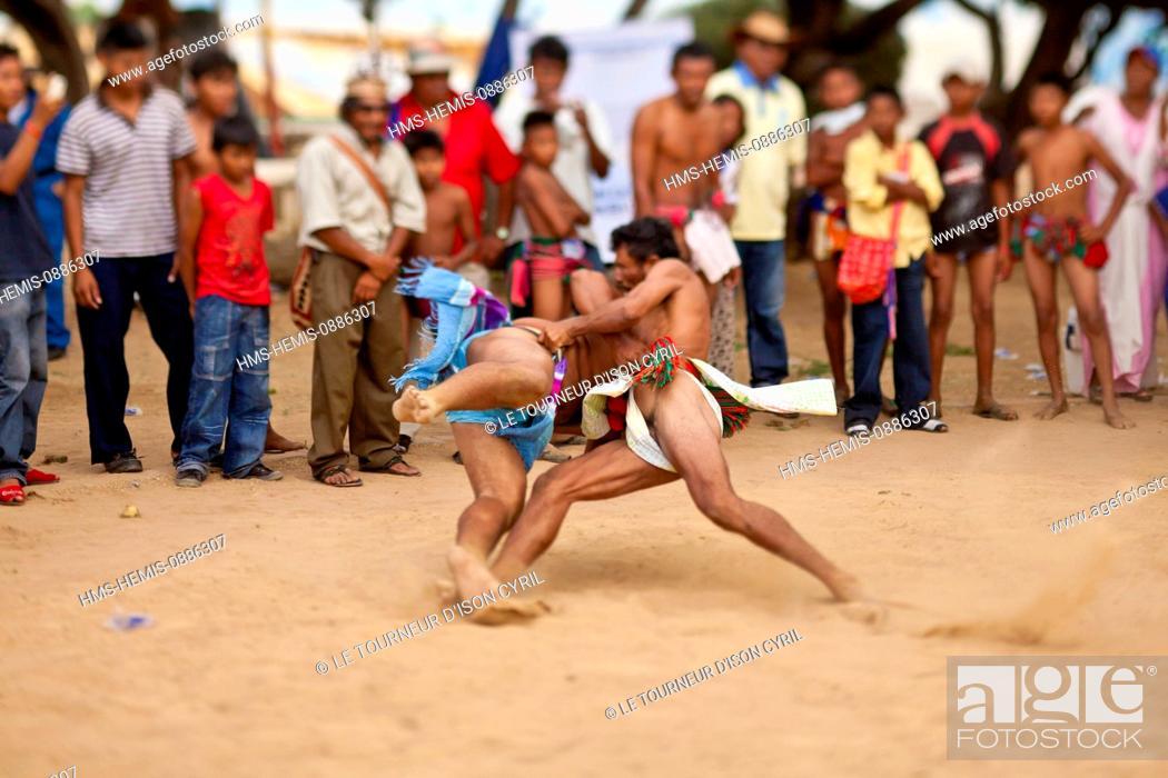 Stock Photo: Colombia, La Guajira Department, Uribia, sports trial during the cultural annual Wayuu Festival.