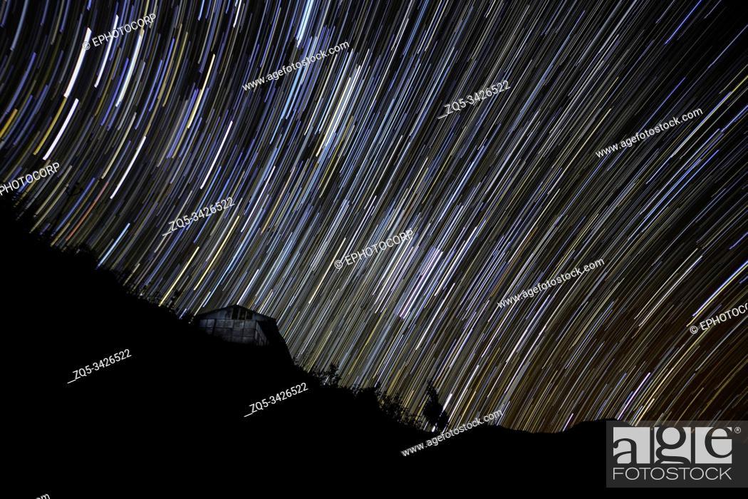 Photo de stock: Nightsky with Star trails, Mishmi Hills, Arunachal Pradesh, India.