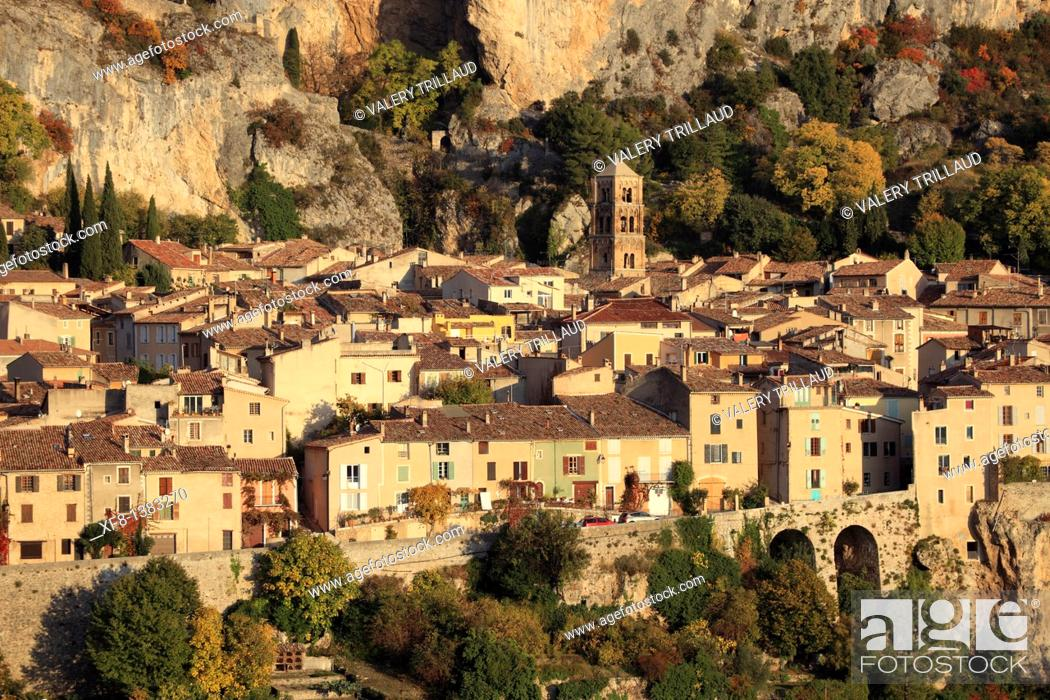 Stock Photo: The medieval perched village of Moustiers Sainte Marie, Alpes de Haute Provence, Provence-Alpes-Côte d'Azur, France.