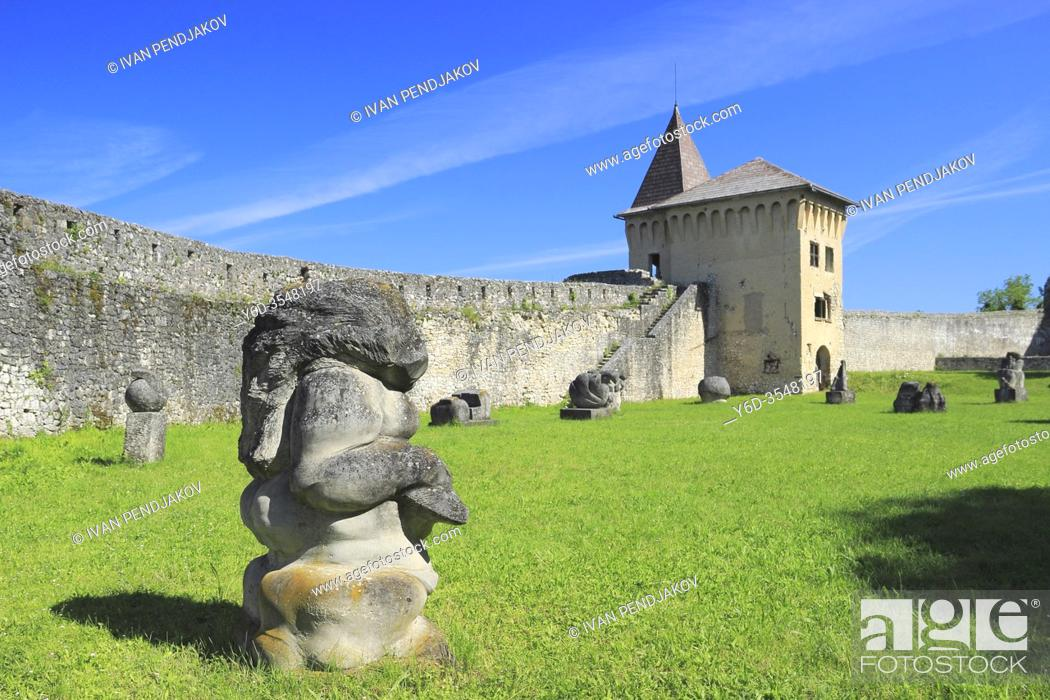 Imagen: Ostrozac Castle, Una-Sana Canton, Bosnia and Herzegovina.